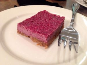raw vegan berry cheesecake